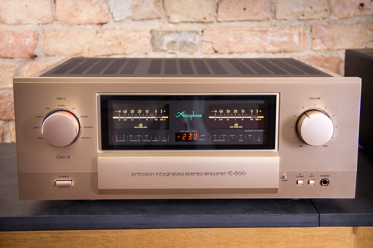 Amplifier Accuphase E-600